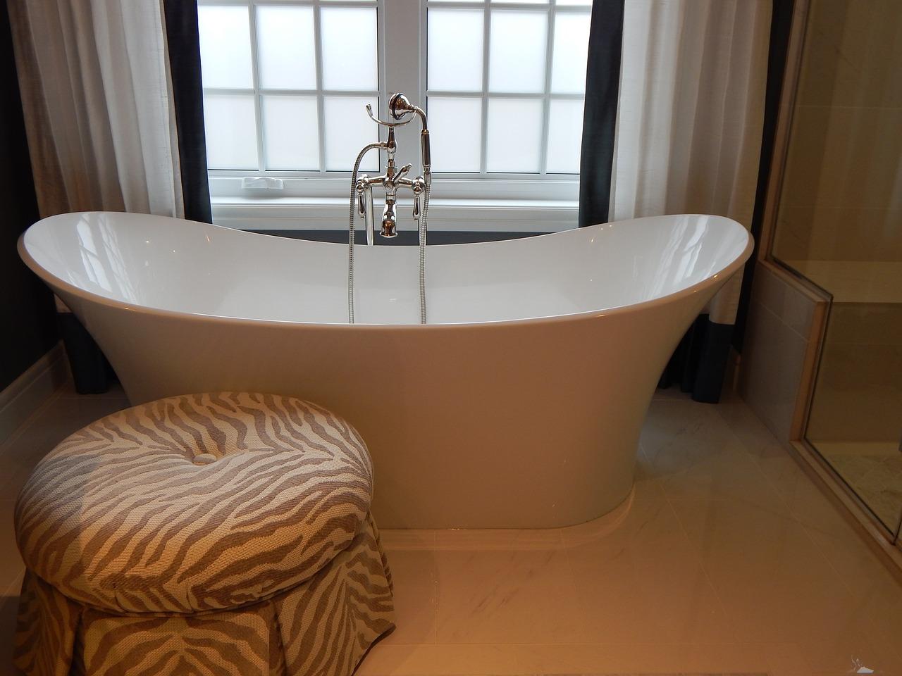 Pourquoi passer par un professionnel pour installer une baignoire ?